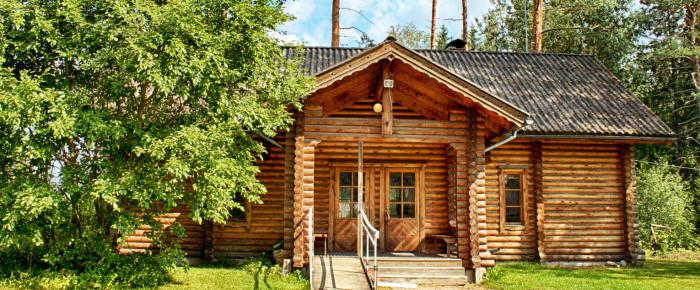 История возникновения домов из оцилиндрованного бревна в России